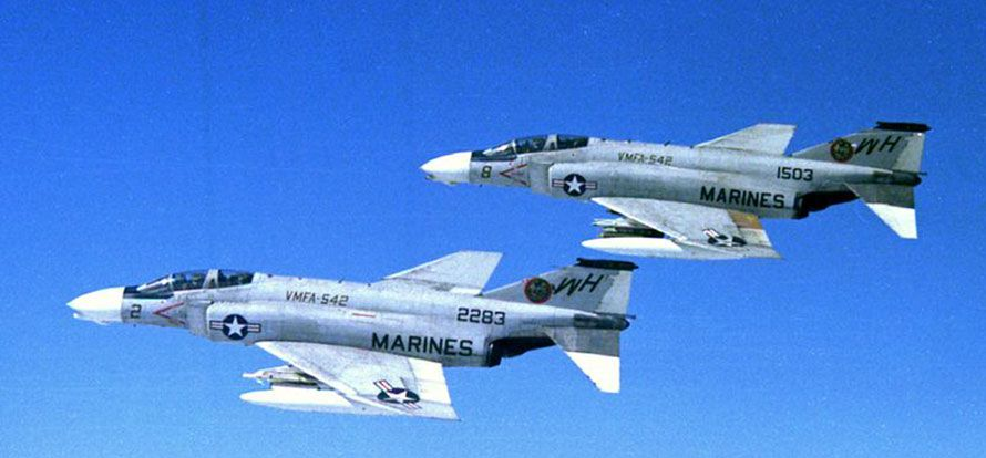 2 Marine F-4B Phantoms